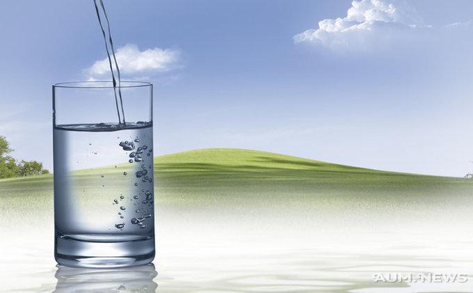рассчитывая попить чаю из чистой родниковой воды